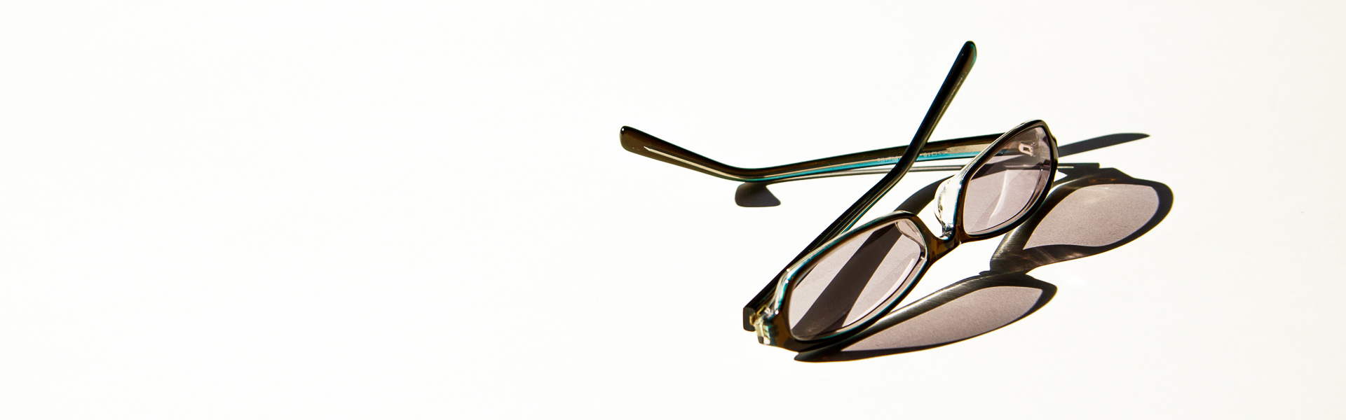 BAKUの色色眼鏡